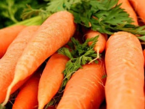 Carrots, washed, 750g