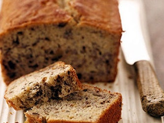 Wholemeal Fruit Apricot and Walnut cake (1lb) 454g.
