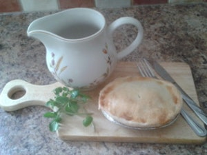 Gluten Free Steak and Vegetable Pie. single portion, 185g. Frozen