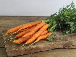 Carrots, new, bunch