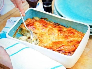 Roast Chicken, Leak and Bacon Pie, One Person, 340g
