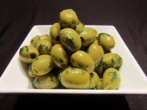 Olives, with parsley and lemon, 150 gms